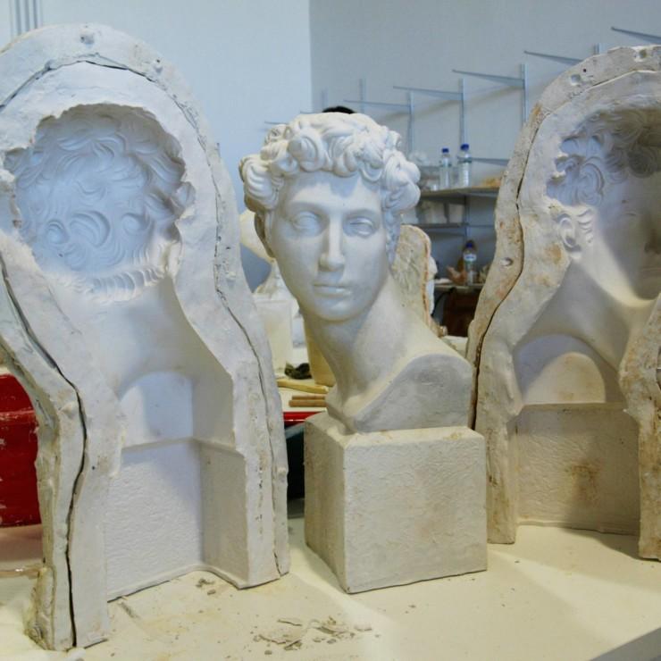 Curso de moldes para la reproducción de piezas de cerámica