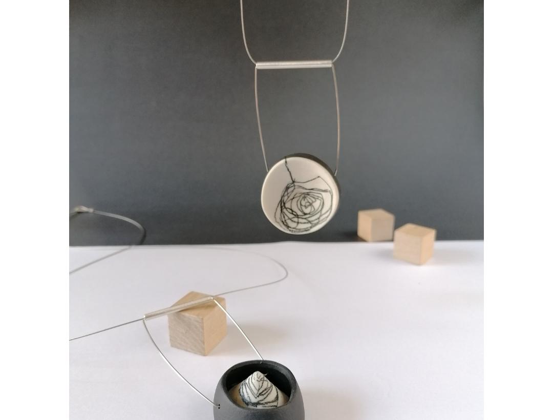 Porcelana para aplicar a la joyería